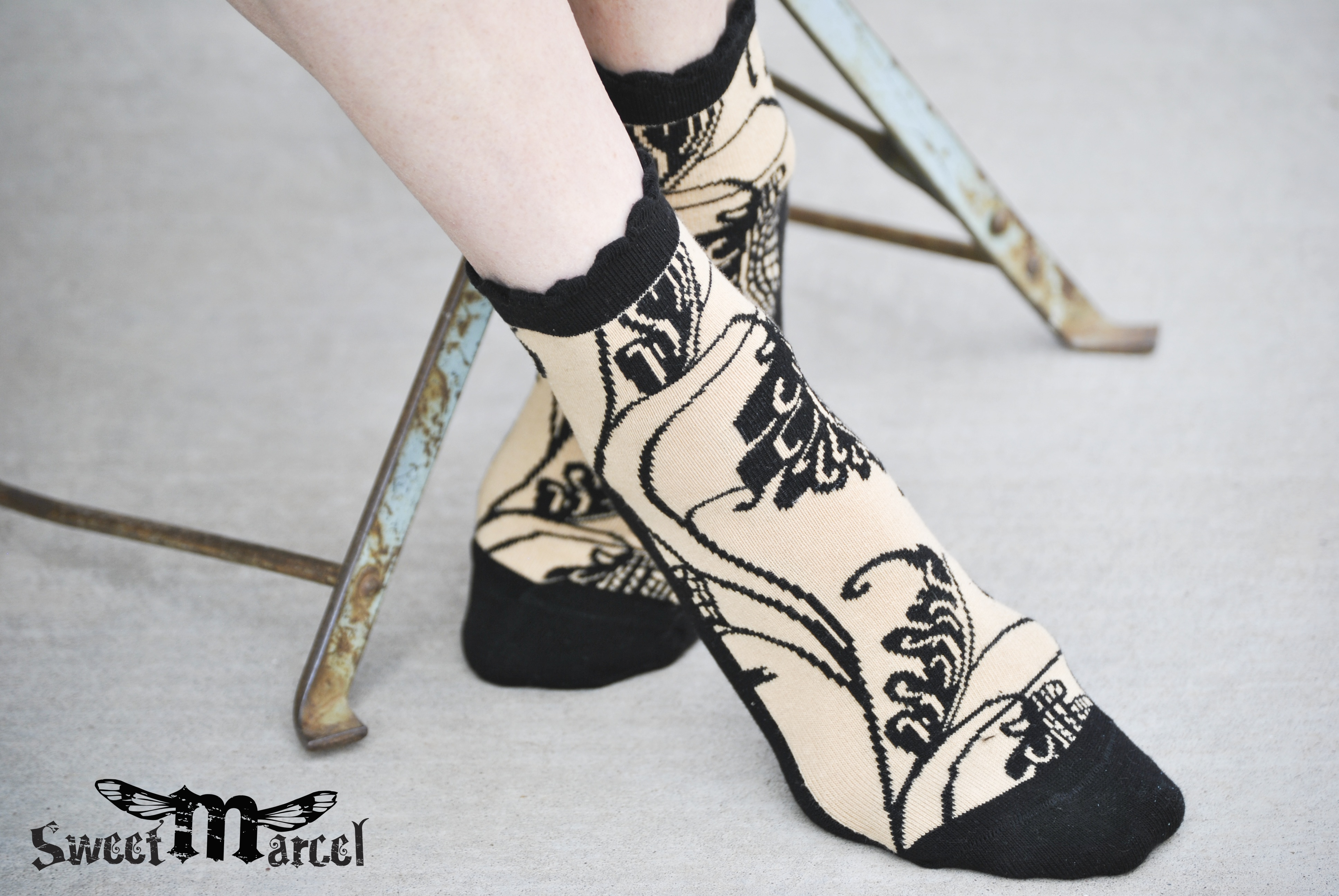 Elliott tan black leaf Anklet