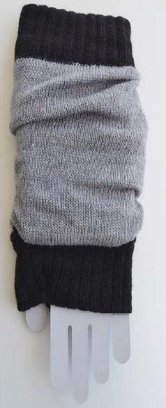 Color Block Arm Warmers grey/black tabbisocks