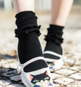 Double ruffles crew socks black tabbisocks